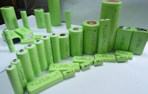 Energy storage lithium-ion batteries will lead electrochemical energy storage technology